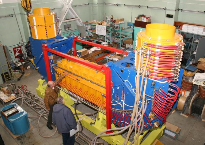 Система электронного охлаждения для бустера NICA