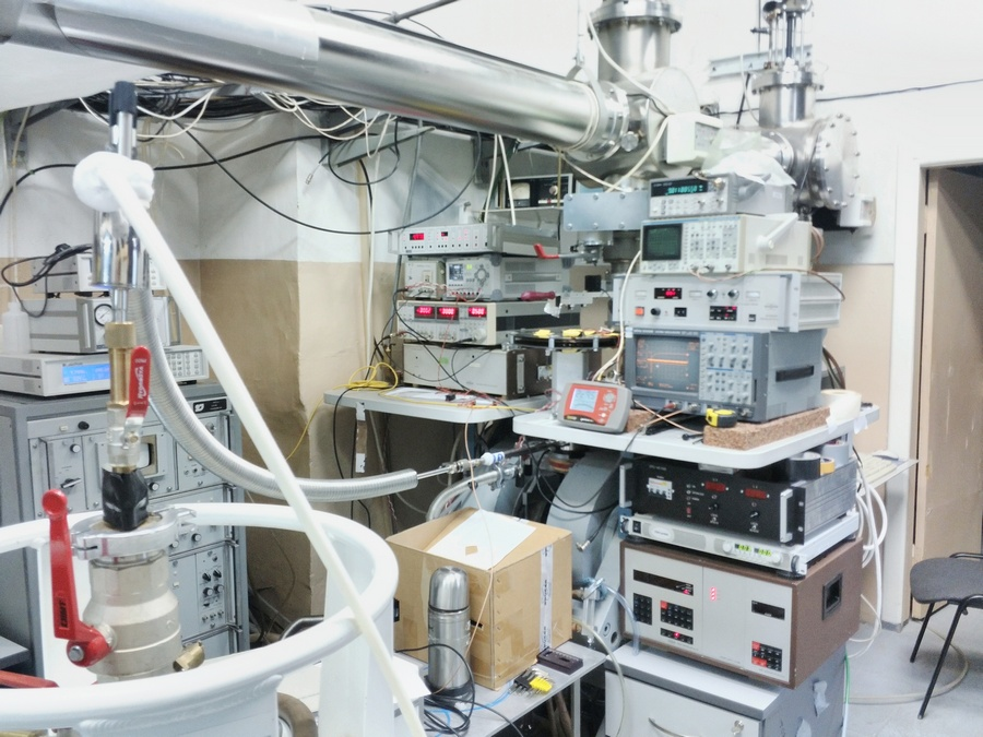 станция ЭПР спектроскопии НА ЛСЭ ИЯФ СО РАН 2